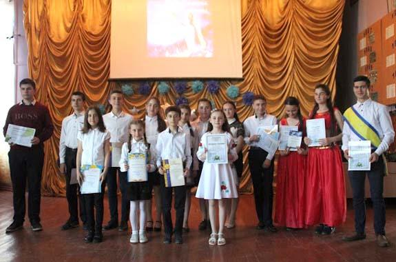 В Новых Троянах Болградского района чествовали школьников