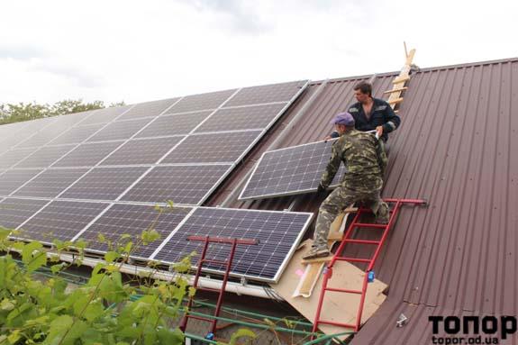В Болграде смонтировали первую частную солнечную электростанцию