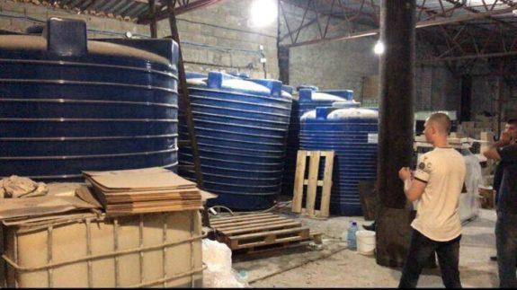 Небезопасные продукты из подпольного цеха в Одессе едва не попали на прилавки