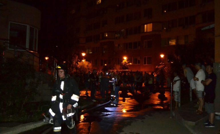 В Одессе в десятиэтажном жилом доме тушили пожар