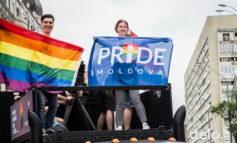 Колонну ЛГБТ марша в Киеве возглавил гаугауз из Молдовы