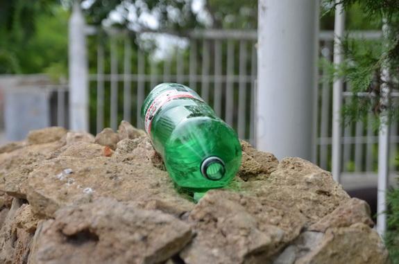 В Уголке Старой Одессы по утрам горы мусора (фотофакт)