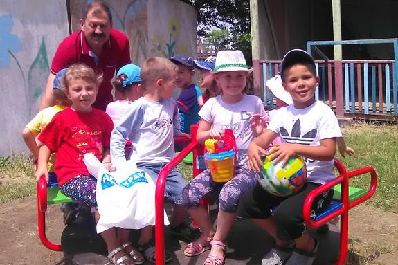 Обновленная детская площадка в саду Секретаревка Беляевского района