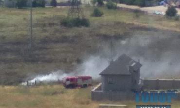 В пригороде Одессы в районе жилого комплекса Kador возник пожар (фотофакт)