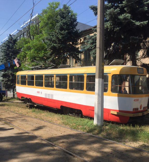 В Одессе из-за наезда трамвая на пешехода остановилось движение нескольких трамвайных маршрутов