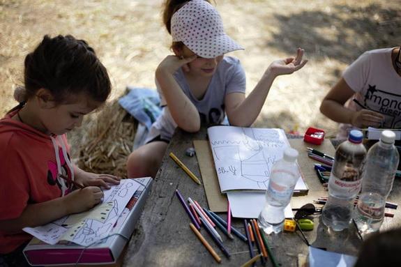 Юные аккерманцы рисуют свой город и его достопримечательности