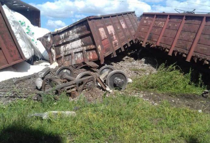 Движение поездов между Киевом и Одессой заблокировано. С рельсов сошел поезд