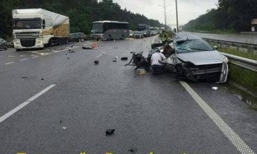 Новое смертельное ДТП: Ford врезался в фуру, двое погибших