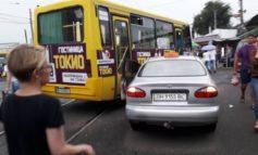 ДТП в районе Привоза заблокировало движение трамваев (фотофакт)