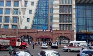 """Правоохранители проверяют одесский """"Привоз"""" на наличие бомбы (фото)"""