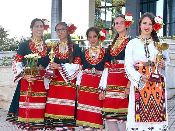 Вокальный ансамбль из Криничного стал лучшим на фестивале в Болгарии