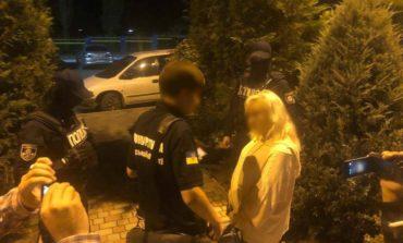 Сотрудница Одесской таможни вымогала 600 долларов за ускорение растаможивания груза