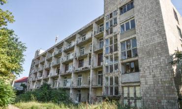 Одесский горсовет пошел на поводу у мутной схемы: частная структура получила право застроить санаторий «Красные зори»