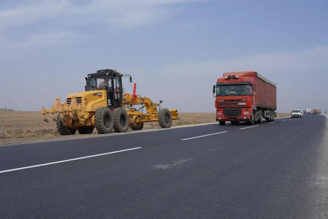 Правительство Украины намерено увеличить расходы на ремонт дорог местного значения
