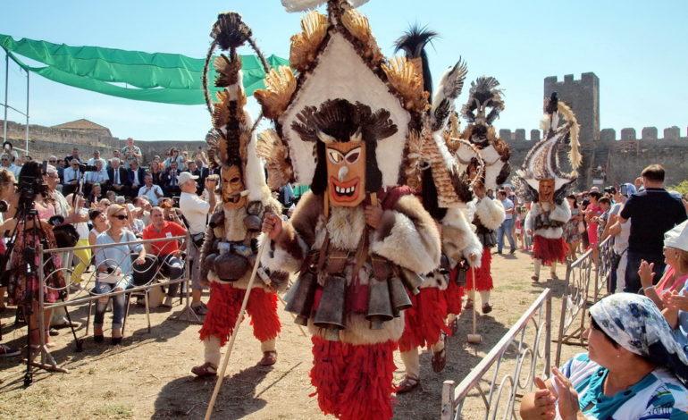 Собор болгар Украины: болгарские кукеры едут в Аккерманскую крепость