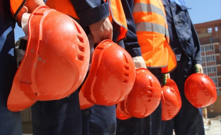 В правительстве Украины намерены остановить трудовую эмиграцию высокими зарплатами