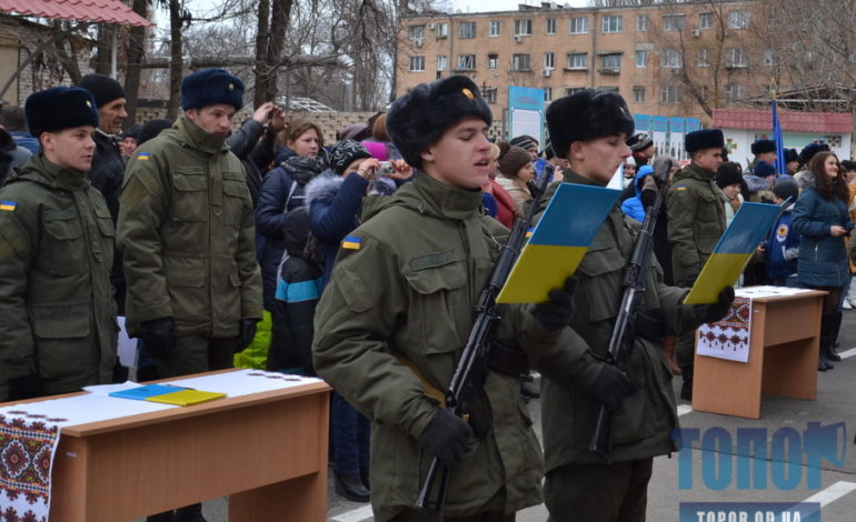 Президент Пётр Порошенко продлил осенний призыв на один месяц