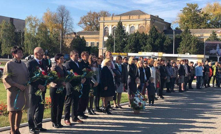 В Измаиле прошел митинг в честь 74-ой годовщины освобождения Украины от нацистских оккупантов