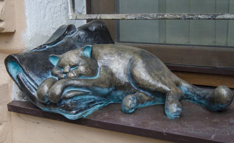 Одесский кот Жванецкого снова на своем месте (фото)