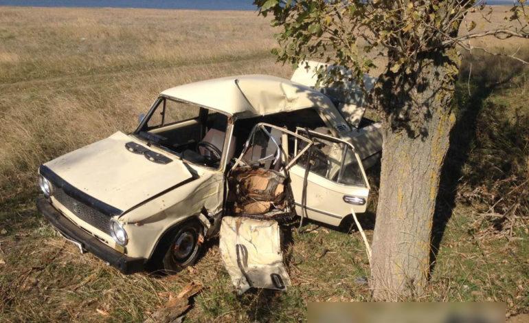 ДТП в Саратском районе: «ВАЗ» вдребезги, у водителя не было шансов