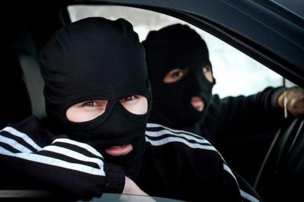 В Березовском районе четверо мужчин напали на фермера