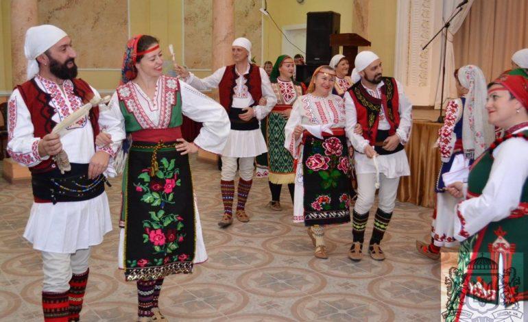 «Бяла роза» и «Право хоро»: в Одессе выступил хореографический коллектив из Болгарии (фото)