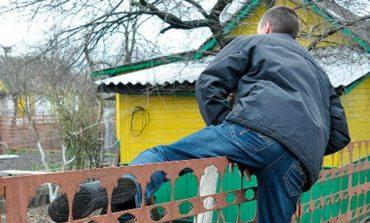 В Беляевском районе с дачных домов выносят все ценное