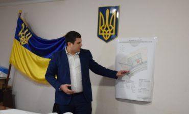 Глава Саратской РГА Антон Лобан признался сколько получает денег на руки