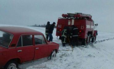 Спасатели Березовского района вытащили из снега три автомобиля