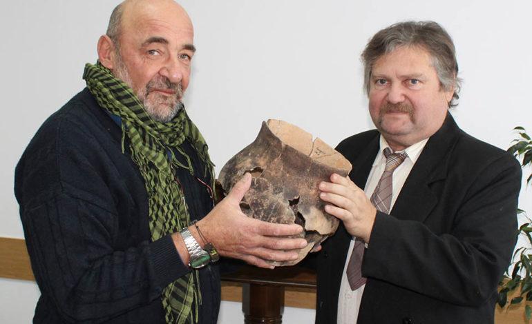 Найденные в промпарке Комрата артефакты переданы в местный этнографический музей