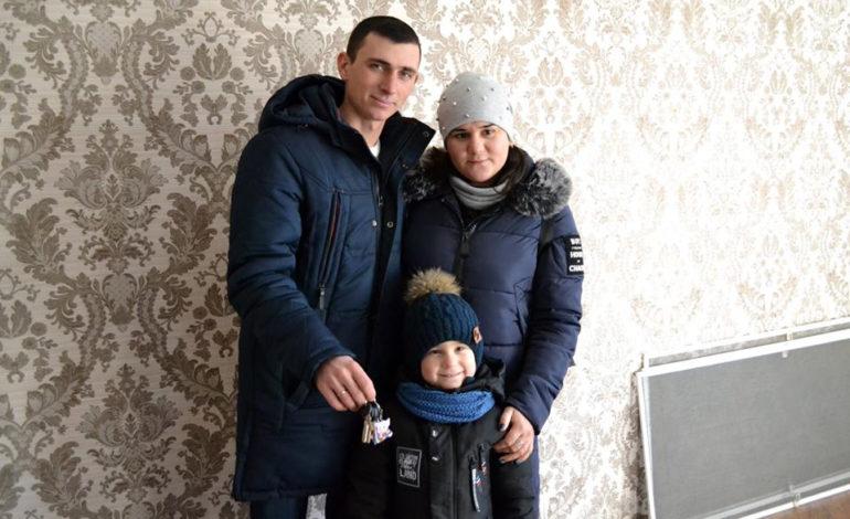В Болградском районе юноша из числа детей-сирот получил собственное жилье