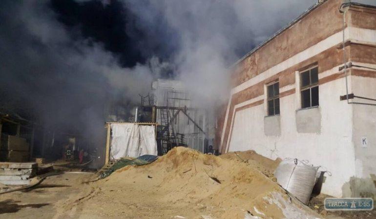 В Овидиопольском районе в результате пожара в цехе по обработке древесины погиб человек