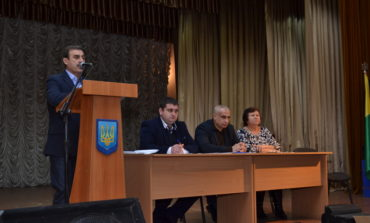 Встреча с нардепом: жители Тарутинского района крайне возмущены несправедливым распределением денег в области