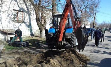 В селе Шабо Белгород-Днестровского района меняют водопроводные трубы