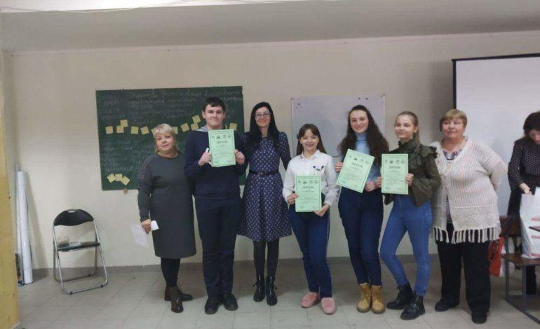 Ученики Тарутинской школы стали абсолютными победителями в областном конкурсе научно-исследовательских работ