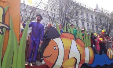 Юморина в Одессе: по Дерибасовской прошел традиционный парад клоунов