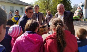 Антон Киссе поздравил школу-интернат с наступающими Пасхальными праздниками