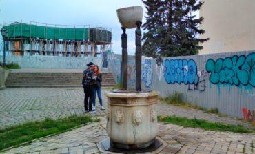 Известный одесский памятник возле Воронцовского дворца осквернен черными крестами