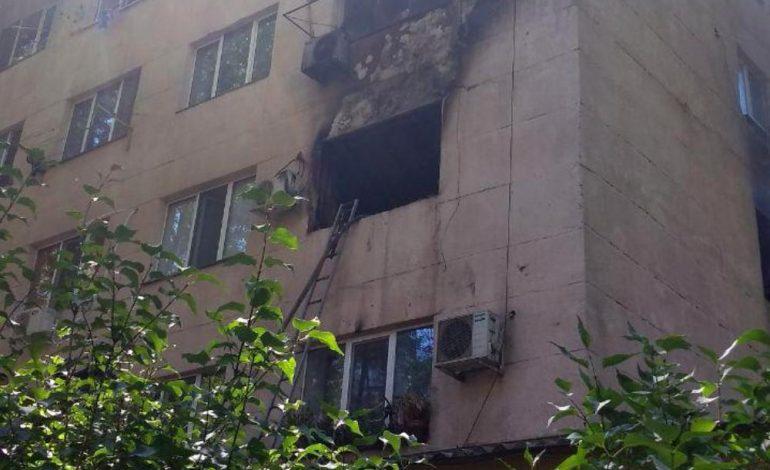 В Одессе в пятиэтажке тушили квартиру и эвакуировали жителей