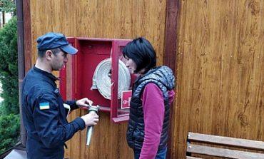 В курортной Затоке спасатели проверяют базы отдыха