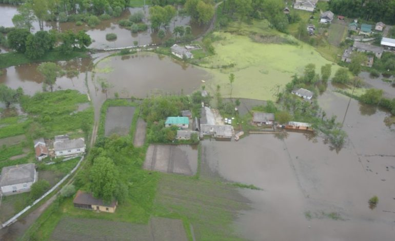 В западных областях Украины из-за непогоды подтоплены более 180 дворов