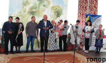 В Болграде с Днем семьи и Днем матери поздравили приемные и многодетные семьи
