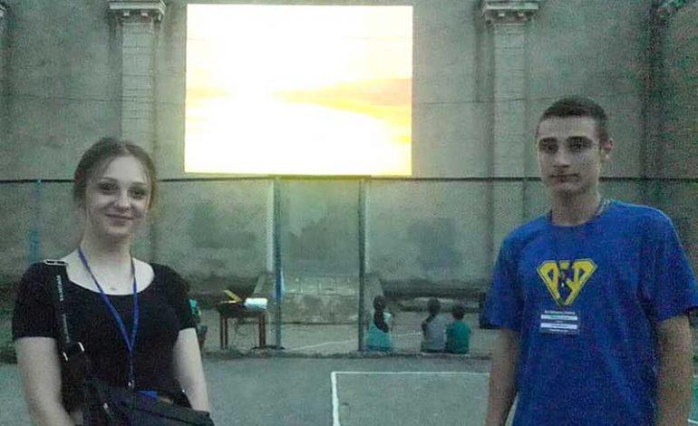В Кубее начал работать летний кинотеатр