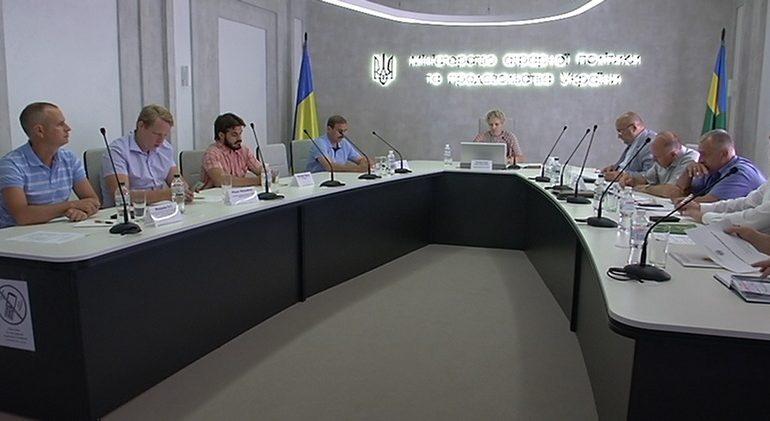 Виноградарство и виноделие на юге Украины: без немедленного решения проблем виноград останется на кустах, а отрасли грозит деградация