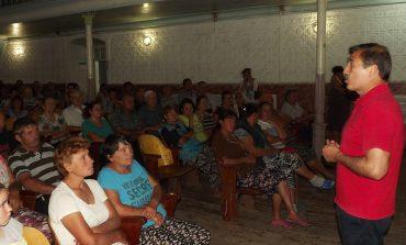 Пересчет пенсий, спасение виноградарства, реформы: жители Тарутинского района обсудили с Антоном Киссе проблемные вопросы