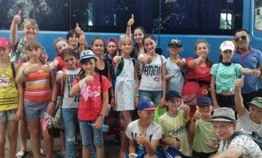 Школьники Саратского района провели день в этно-парке Нью-Васюки (фото)