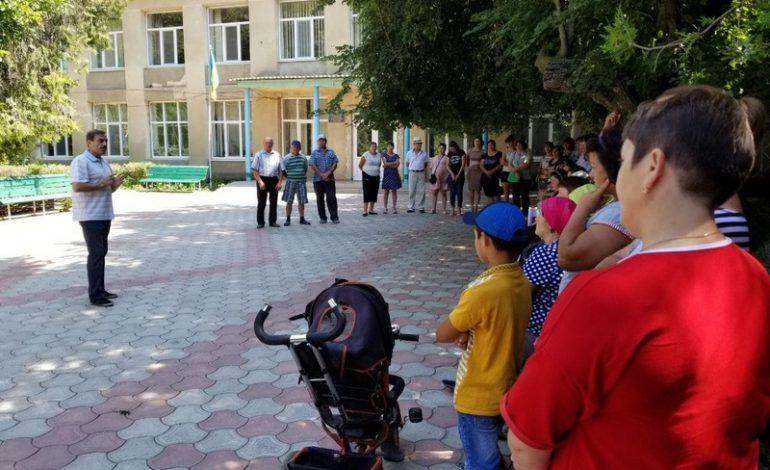 Антон Киссе обсудил с жителями населенных пунктов Саратского района важные проблемы района