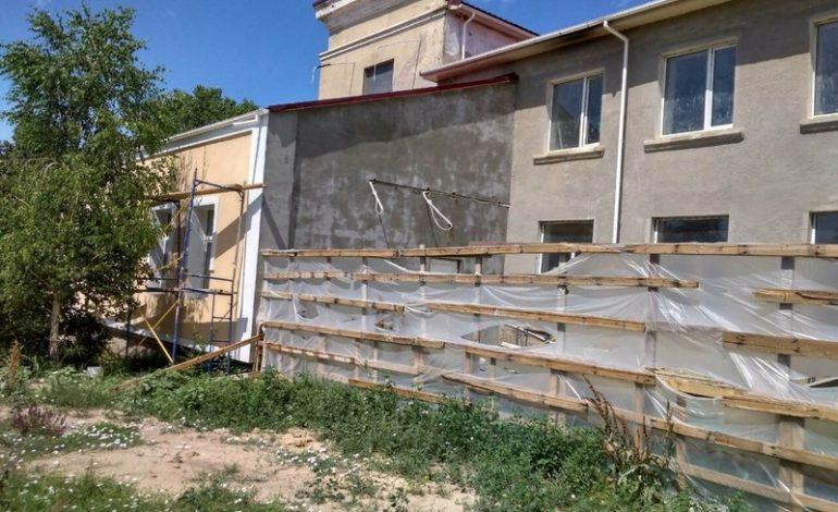 Идёт восстановление Дома Культуры в селе Котловина Ренийского района: помогло правительство Турции