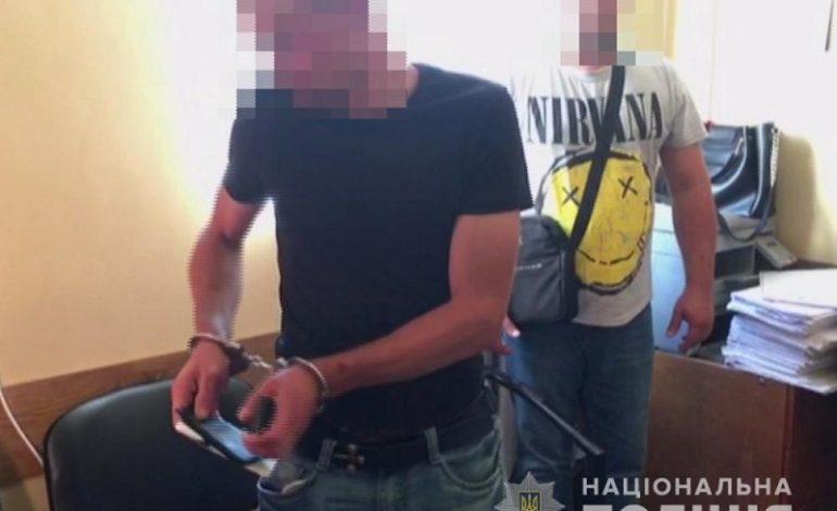 В Одессе мужчина выбросил бывшую жену с третьего этажа