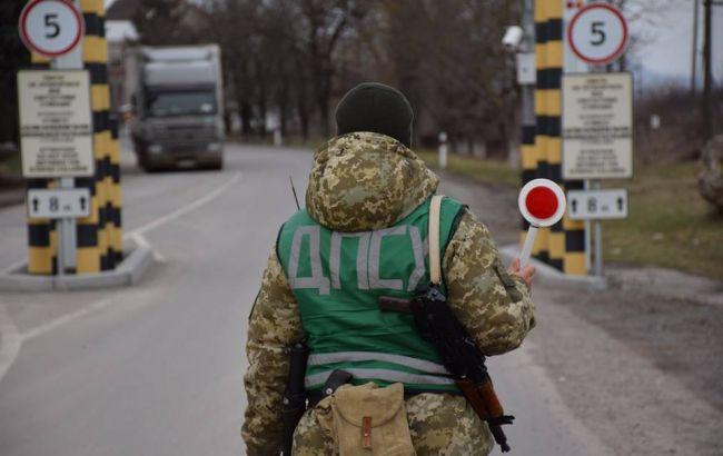 На украино-румынской границе со стрельбой остановили автомобиль, есть раненый
